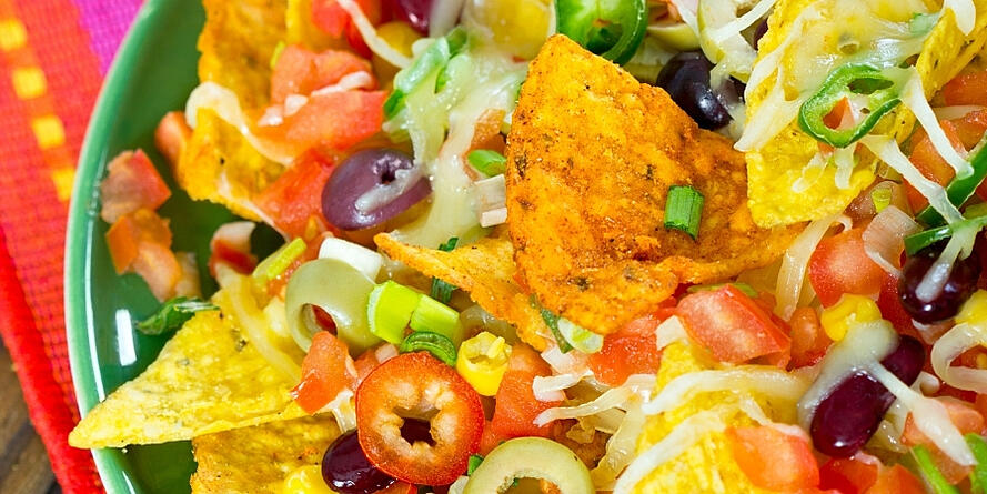 how-to-make-healthy-loaded-vegan-nachos 1