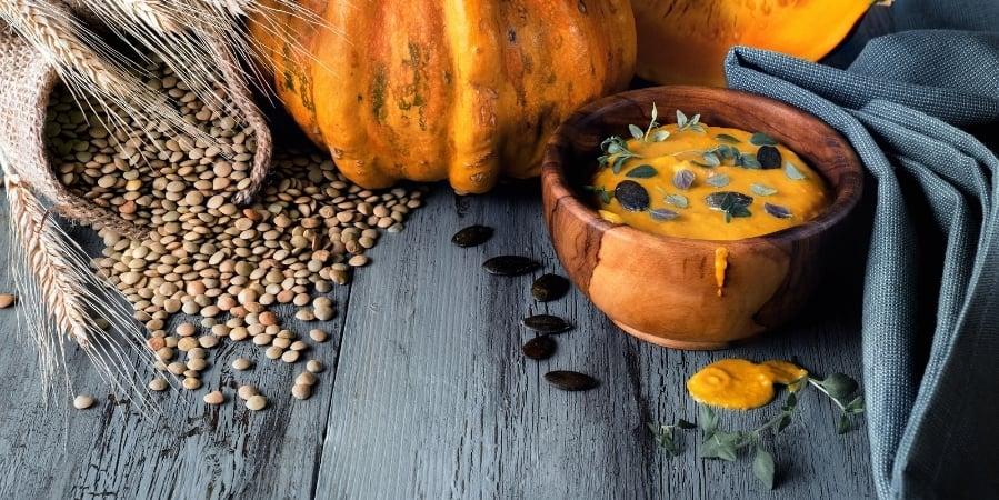 how-to-make-pumpkin-lentil-maca-soup 1