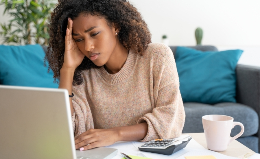 how-to-prepare-for-the-effects-of-mercury-retrograde-woman 2