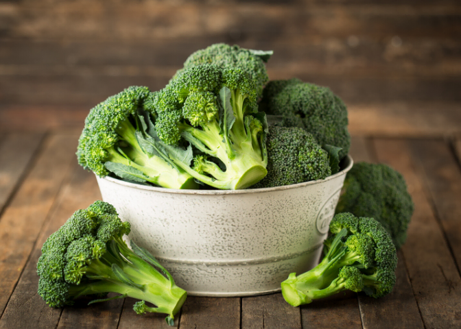 fresh organic raw broccoli blog image